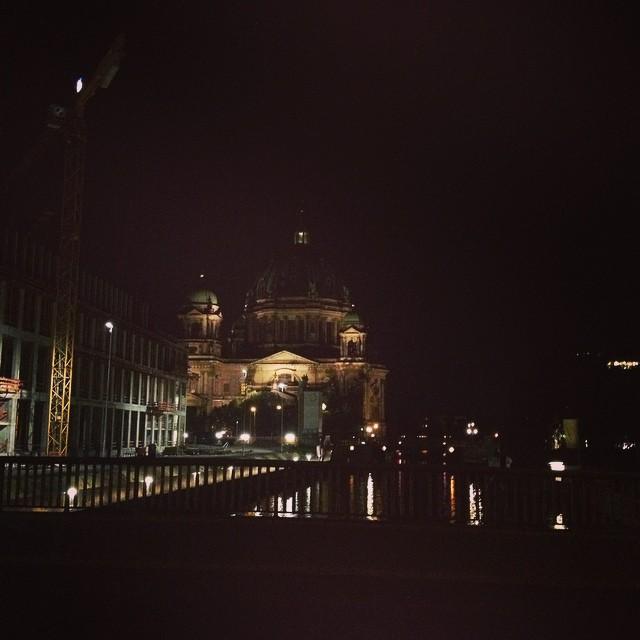 Notre Dame, Paris, bei Nacht.